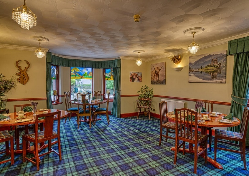 Breakfast room at Acorn B&B Inverness